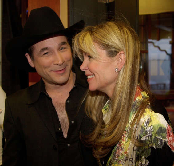 Clint black and lisa hartman black during the escape for Is clint black and lisa hartman still married