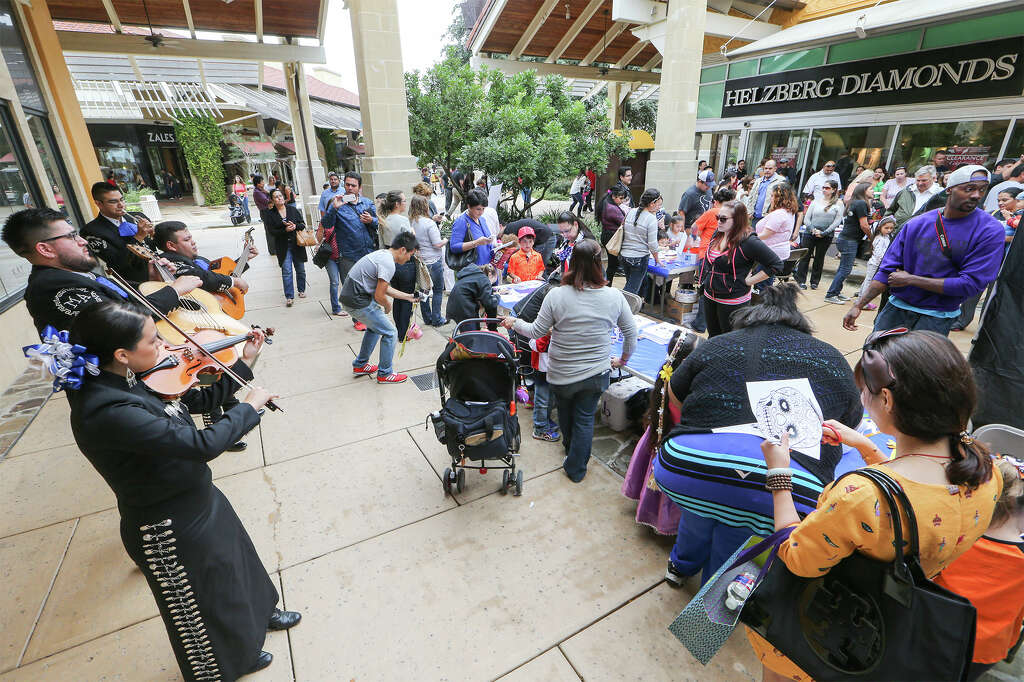 Lovely Shoppers Enjoy The Book Of Life Carnival At The Shops At La Cantera On  Saturday,