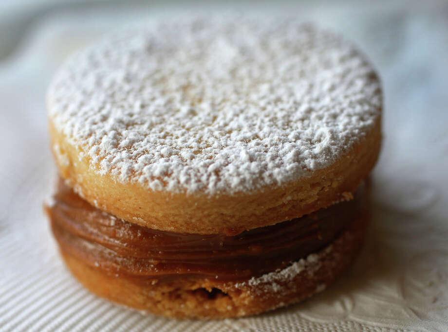 Alfajores (shortbread cookies with caramel filling) Photo: John Davenport / San Antonio Express-News / ©San Antonio Express-News/John Davenport