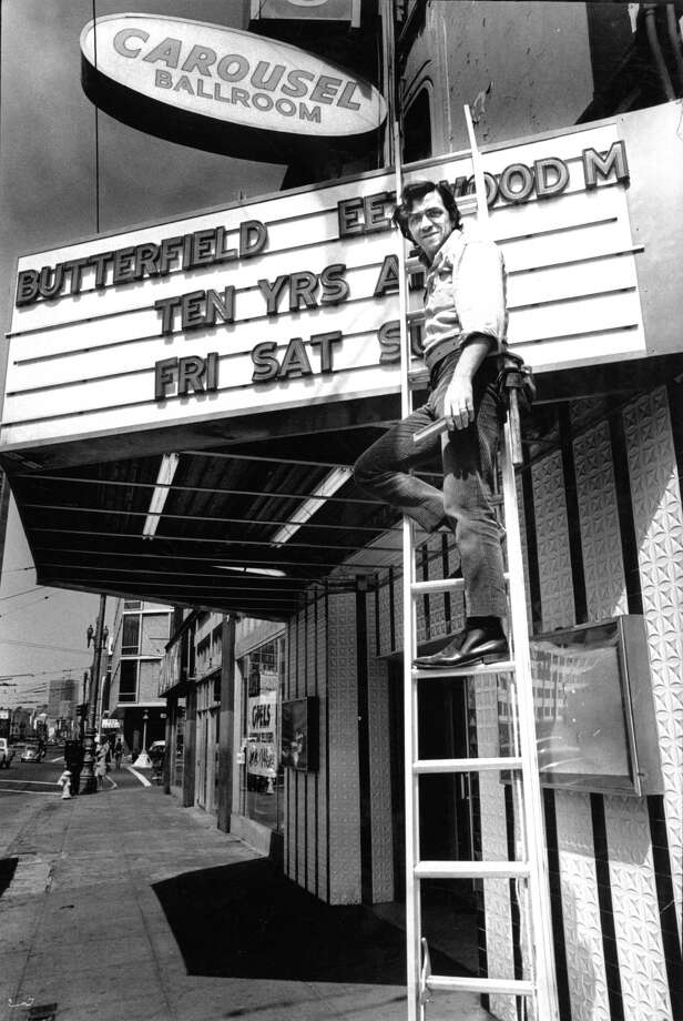 July 2, 1968: Rock promoter Bill Graham at the Fillmore West, which was formerly the Carousel Ballroom. Photo: Peter Breinig / Peter Breinig / The Chronicle 1968 / ONLINE_YES