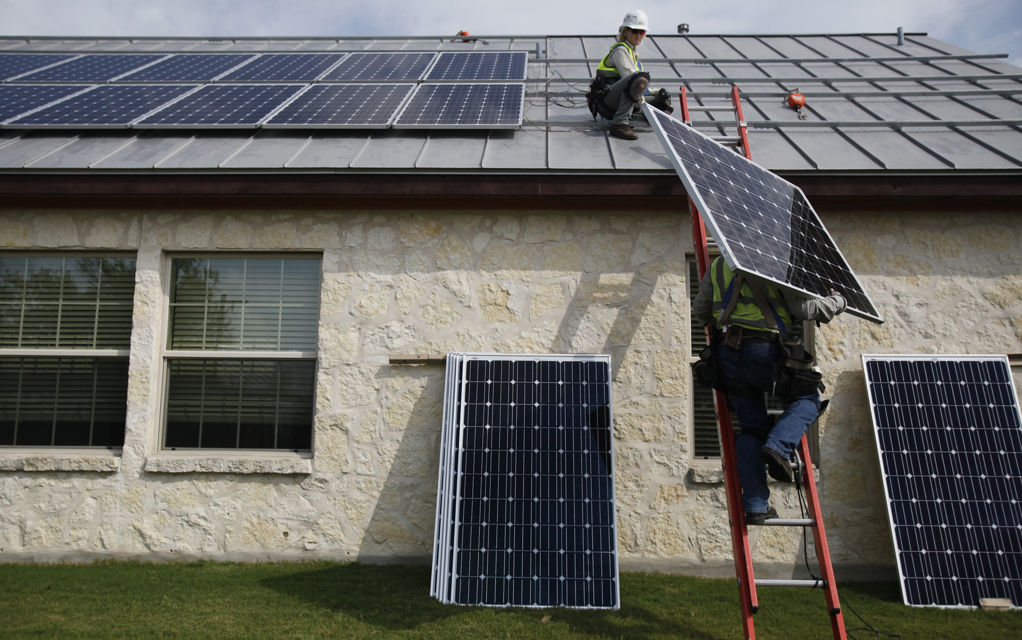 Cps Energy S Solar Rent A Roof Program Has Big Appeal
