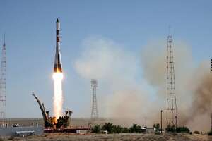 Russia launches cargo ship to Space Station - Photo