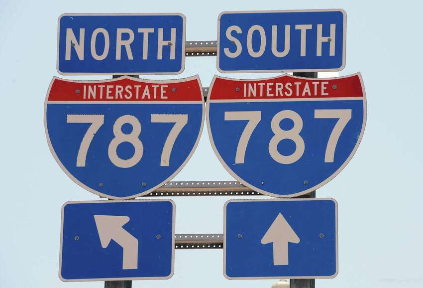 Interstate 787 signs Friday July 3, 2015 in Albany, NY. (John Carl D'Annibale / Times Union)