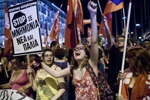 Greeks vote 'no' on key bailout referendum - Photo