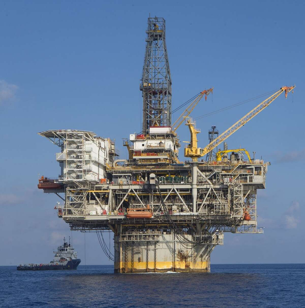3.Platforms on 49 offshore rigs were wiped out.The platforms that were destroyed were generally older operations with relatively low production volumes. A total of 578 manned platforms endured the hurricane. Here, reconstructed drilling rig on BP's Mad Dog oil and gas production platform, replacing a rig damaged by Hurricane Ike in 2008, has resumed development drilling at the Mad Dog field complex in the Gulf of Mexico, BP said Nov. 19, 2013.