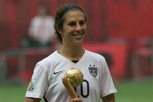 Carli Lloyd, U.S. women's team the toast of Internet - Photo