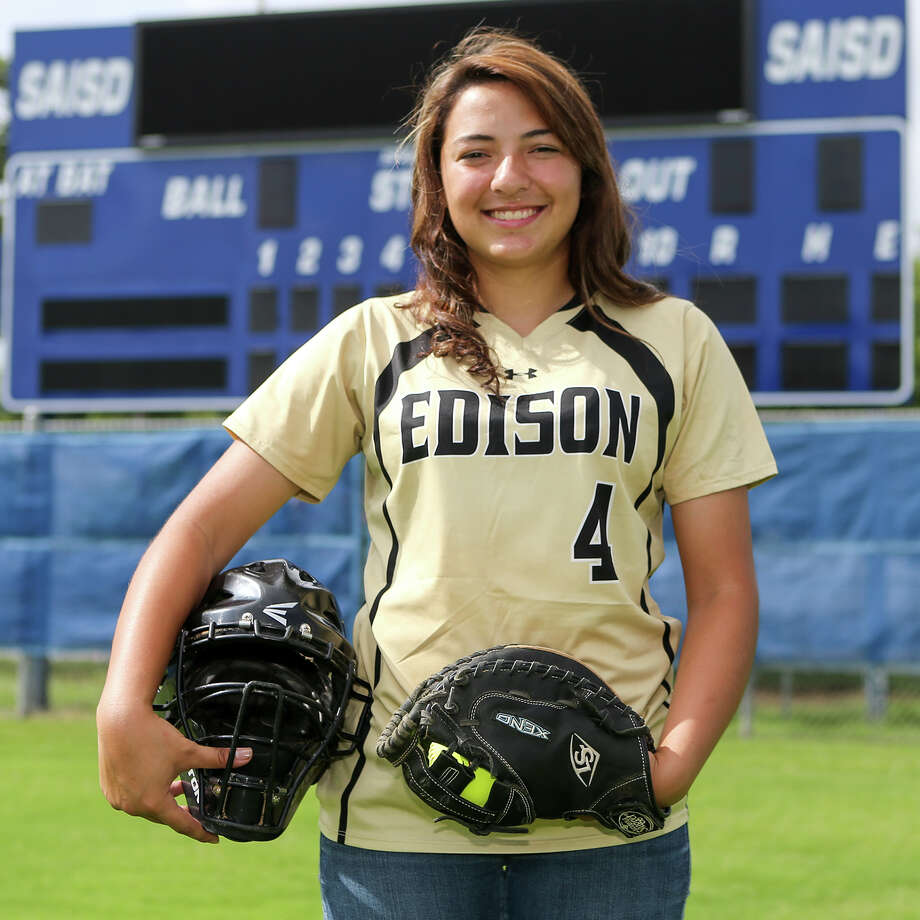 Edison catcher Mari Quinones made the TGCA All-State team the past three years and has been selected to the TGCA All-Star Team (5A-6A) this year. Photo: Marvin Pfeiffer /San Antonio Express-News / Express-News 2015