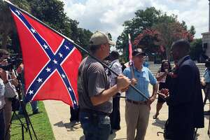 1st votes cast to remove Confederate flag from State House in South Carolina - Photo