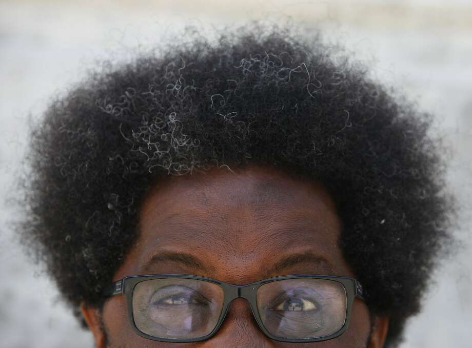 "Comic W. Kamau Bell's ""Blanket Statements"" will benefit the Gubbio Project, which allows homeless people to sleep during the day on the pews of St. Boniface Church in the Tenderloin. Photo: Cameron Robert, The Chronicle"