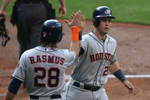 Birthday boy Tucker leads hit parade as Astros top Indians - Photo