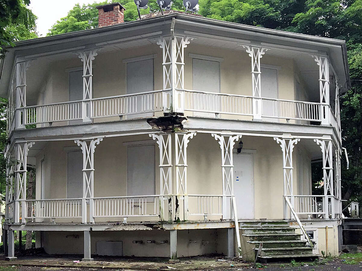 The Octagon House on Spring Street