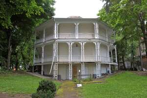 The past, the present and the future of Danbury's Octagon House - Photo
