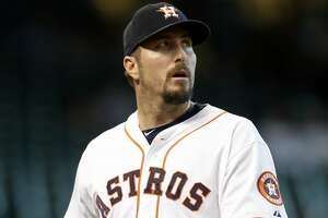 Astros report: Qualls could be back Thursday; Valbuena's toe improving - Photo