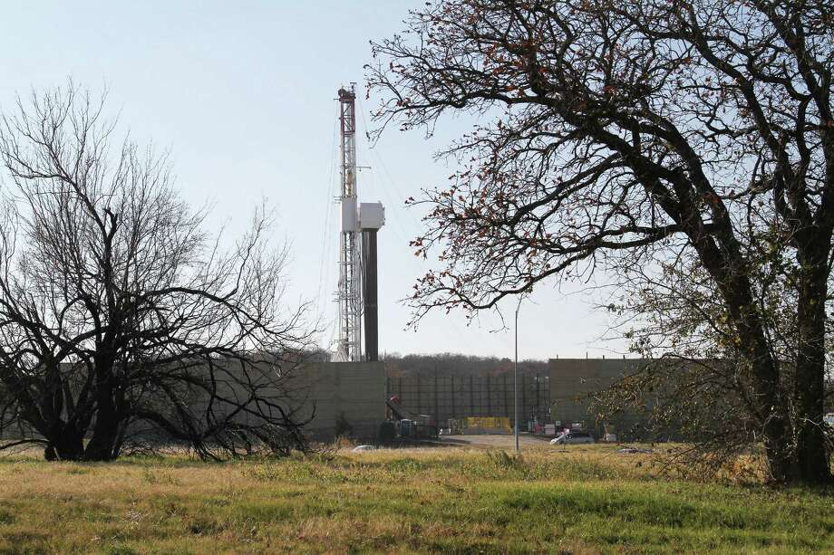 Arlington is in the Barnett Shale area, which extends across north-central Texas. Photo: Paul Moseley, Staff / Fort Worth Star-Telegram