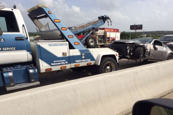 Major traffic accident at I-35 North and Evans Road slows