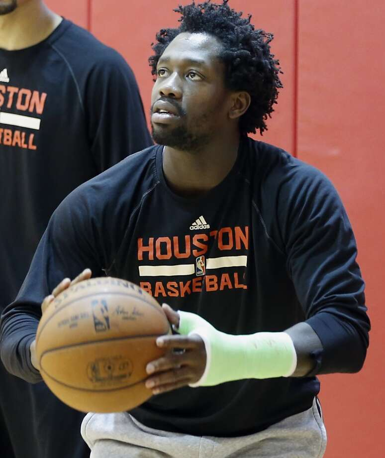 Rockets coach Mike D'Antoni said Pat Beverley will not make his season debut on Monday against the 76ers. Photo: James Nielsen, Houston Chronicle
