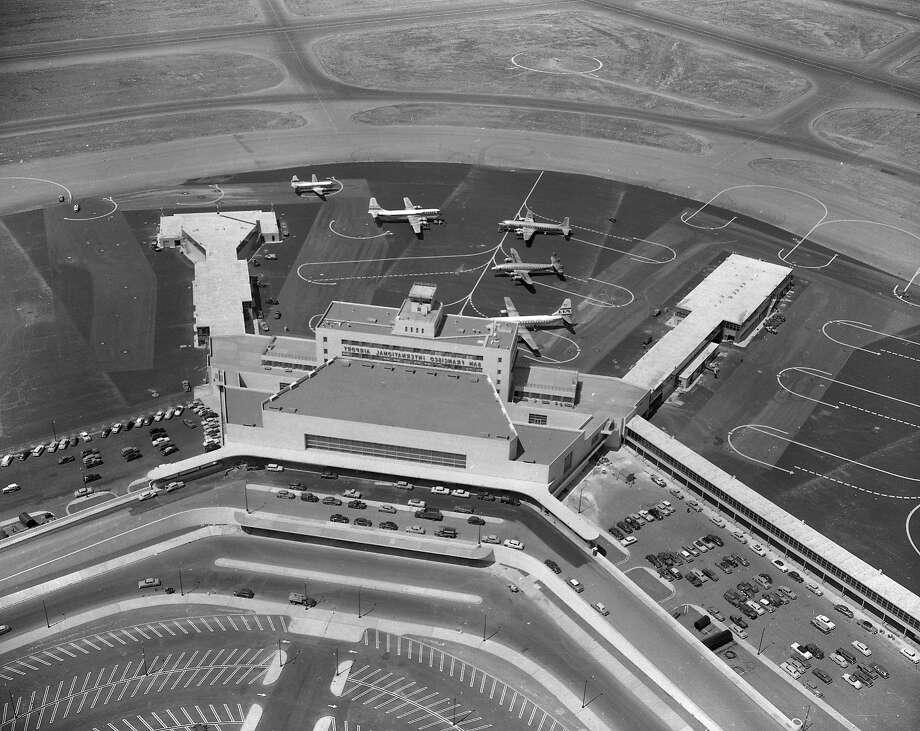 San Francisco International Airport hosts a grand opening in August 1954. Photo: Bill Young, The Chronicle