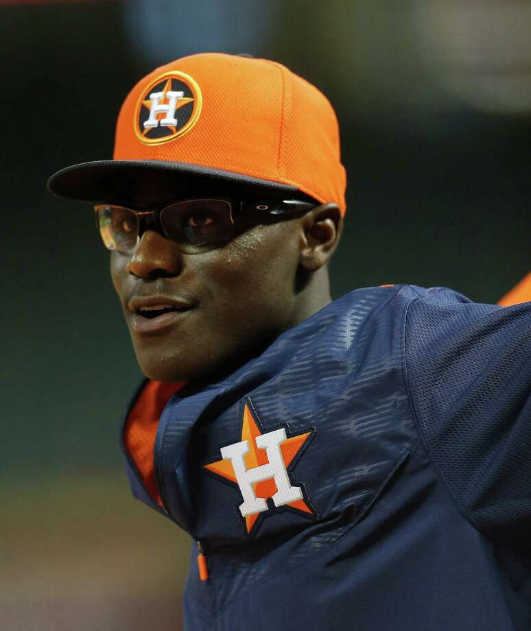 Outfielder Daz Cameron, who was selected with the 37th overall pick in the Competitive Balance Round A in the 2015 MLB First Year Player Draft takes batting practice before the start of an MLB game at Minute Maid Park on Tuesday, June 30, 2015, in Houston.  ( Karen Warren / Houston Chronicle ) Photo: Karen Warren, Staff / © 2015 Houston Chronicle