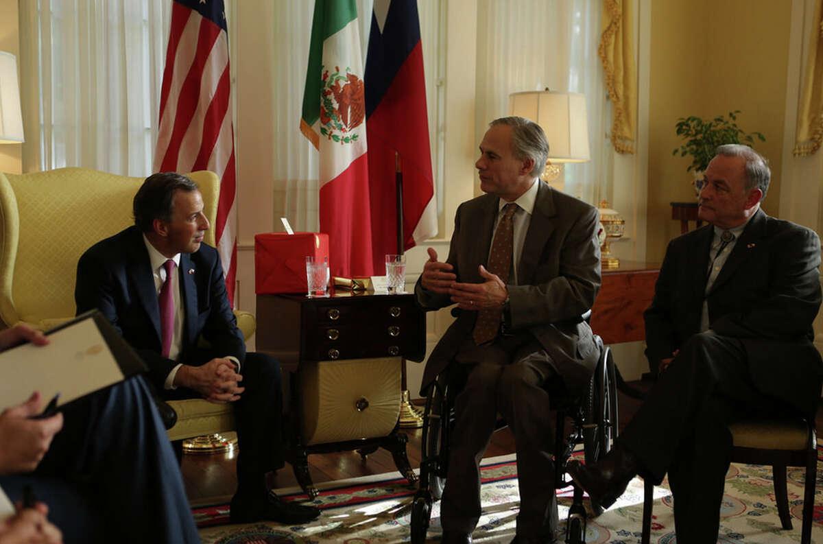 Gov. Greg Abbott meets with Mexico's Secretary of Foreign Affairs Jose Antonio Meade Kuribrena on Thursday in Austin.