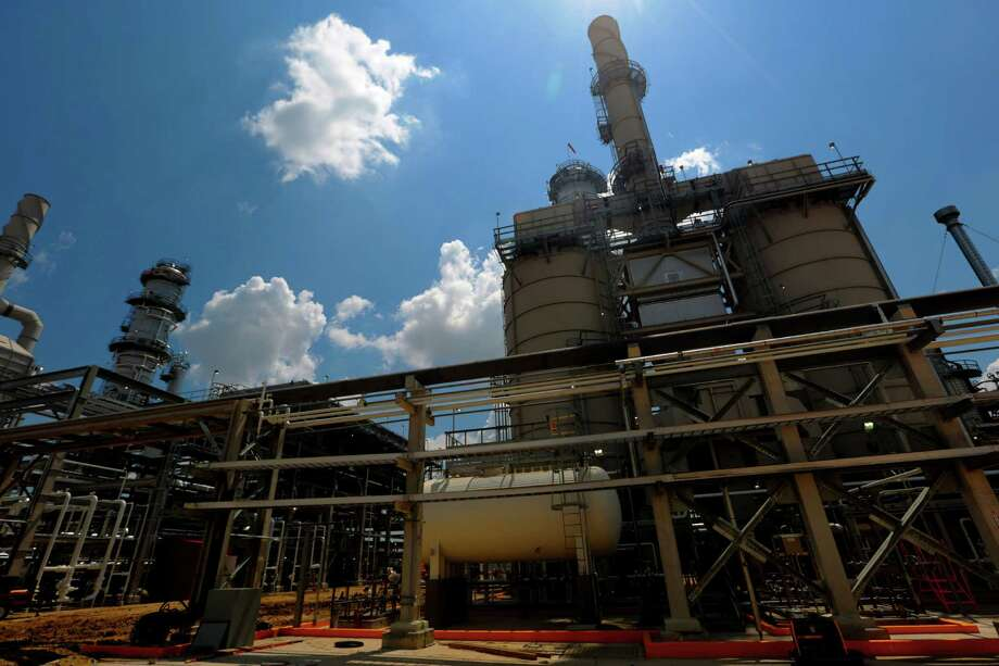 Distillation Towers at the Kinder Morgan Splitter facility in Galena Park, Texas, June 2, 2015. (Billy Smith II / Houston Chronicle) Photo: Billy Smith II, Staff / © 2015 Houston Chronicle