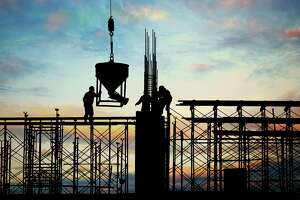 Sector's shifting focus to natural gas includes large, new projects - Photo