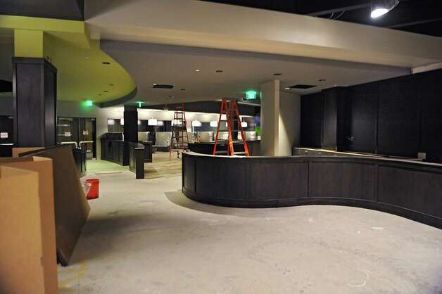 Grill area at Latitude 360 in Crossgates Mall on Thursday, March 19, 2015 in Guilderland, N.Y. (Lori Van Buren / Times Union) ORG XMIT: MER2015071017001404 Photo: Lori Van Buren / 00031037A