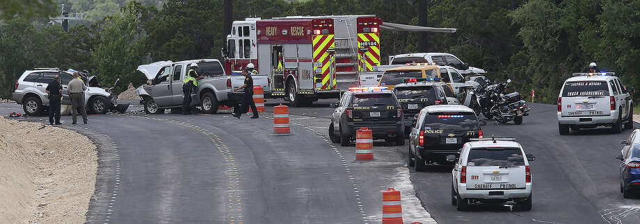 Off-duty San Antonio Police Department Officer Paul Rios was heading east on Borgfeld Road when his SUV collided with a pickup whose driver was heading west on Borgfeld. Photo: John Davenport /San Antonio Express-News / ©San Antonio Express-News/John Davenport