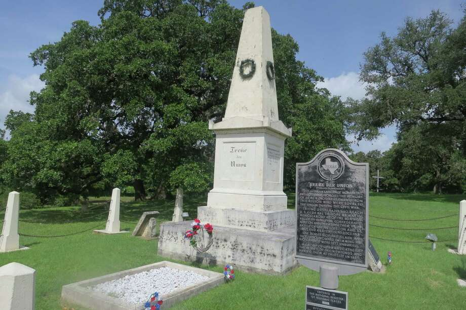 "The ""Treue der Union"" monument in Comfort is the oldest Civil War memorial in Texas. A 36-star flag at the memorial flies permanently at half-staff. Photo: Joe Holley / Houston Chronicle"