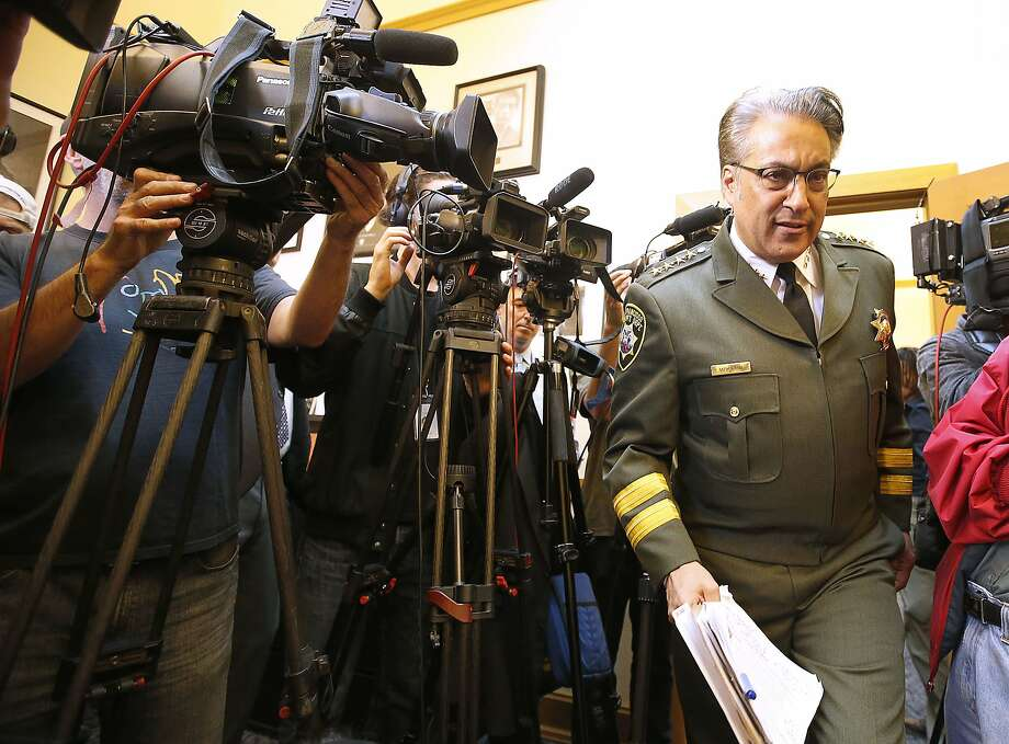 San Francisco Sheriff Ross Mirkarimi at a July news conference, in uniform but without a gun. Photo: Tony Avelar, Associated Press