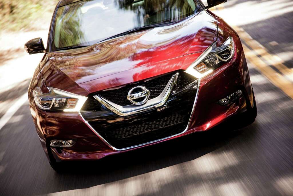 Pushing the envelope in its performance class, the automaker's flagship vehicle features a new, lighter, 300-horsepower 3.5 liter V6 engine- giving the sedan similar acceleration to some car enthusiasts' favorite sports cars. Photo: Nissan, NissanNews.com  / © 2015 Nissan
