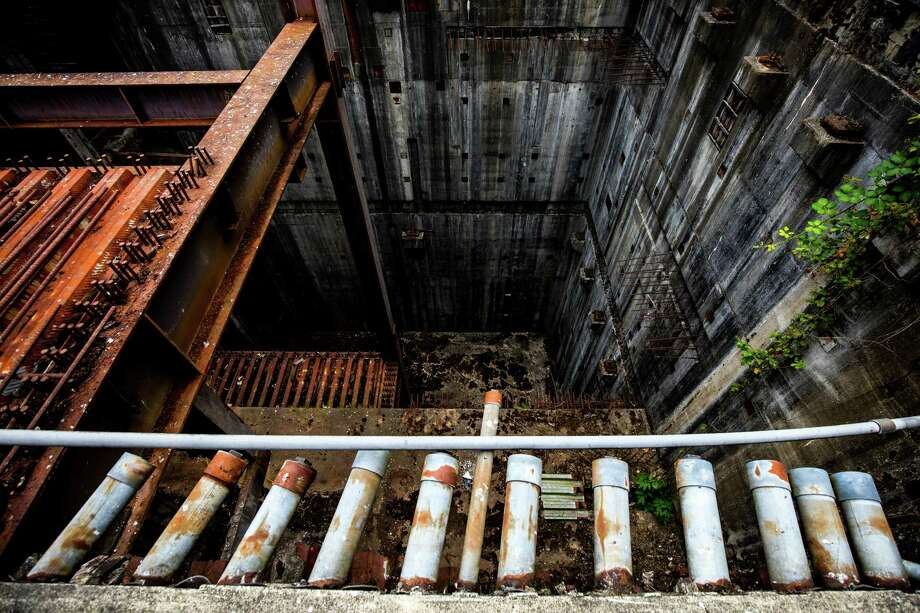 Overhead Gantry Crane Training Aberdeen : Remains of satsop s unused nuclear power plant seattlepi