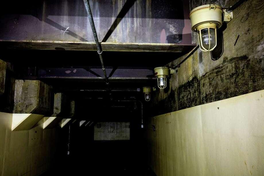 Overhead Gantry Crane Training Aberdeen : Remains of satsop s unused nuclear power plant newstimes