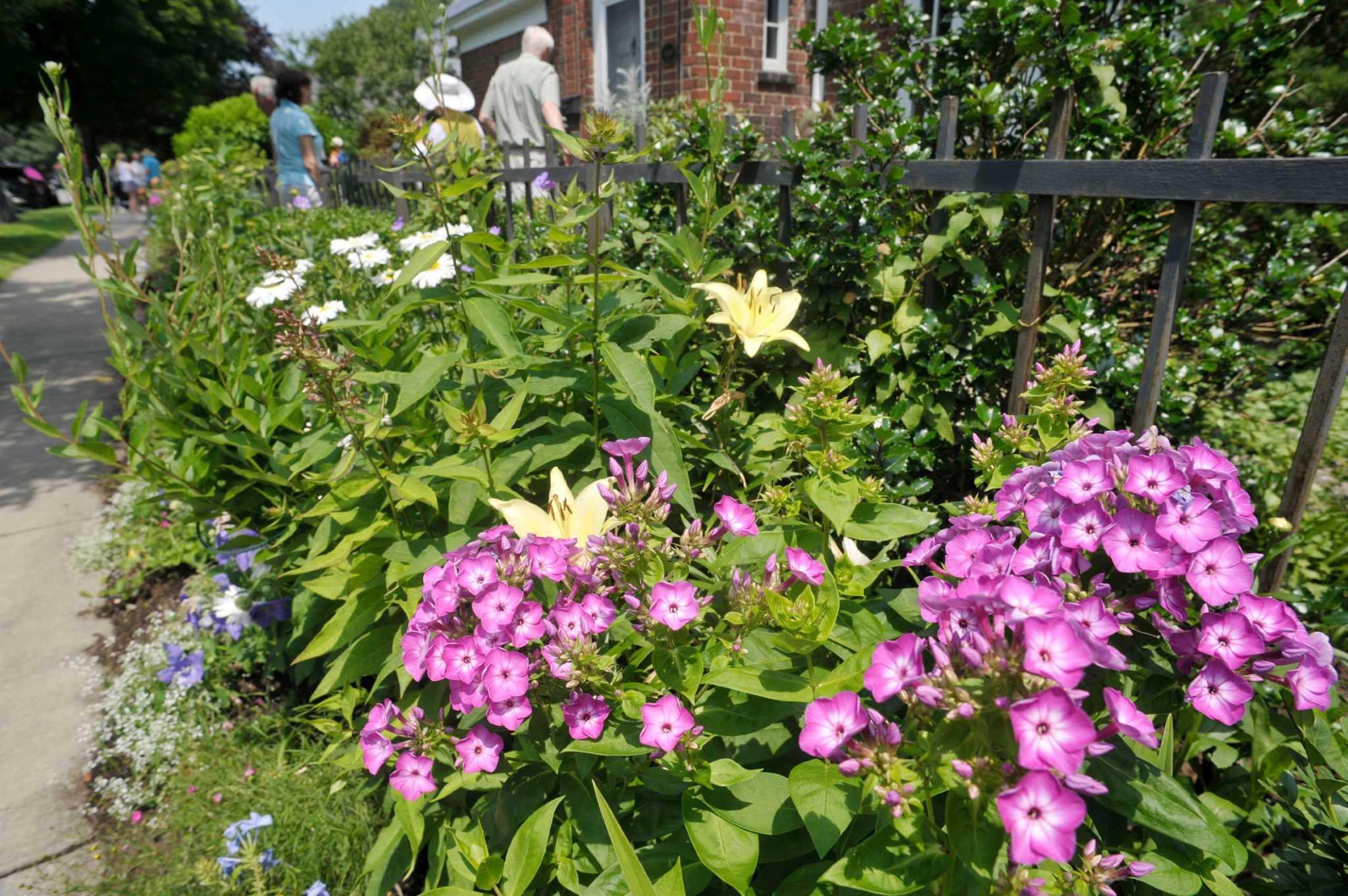 Photos Saratoga Springs Secret Garden Tour Times Union