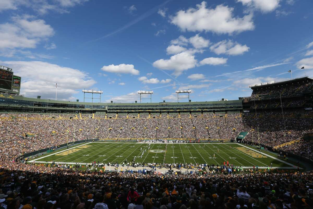 Lambeau Field Tenant: Green Bay Packers Capacity: 80,735 Opened: Sept. 29, 1959 Naming Rights: None Cost: $960,000, $295 Million (renovations) Public Financing: 57.3% Private Financing: 42.7%