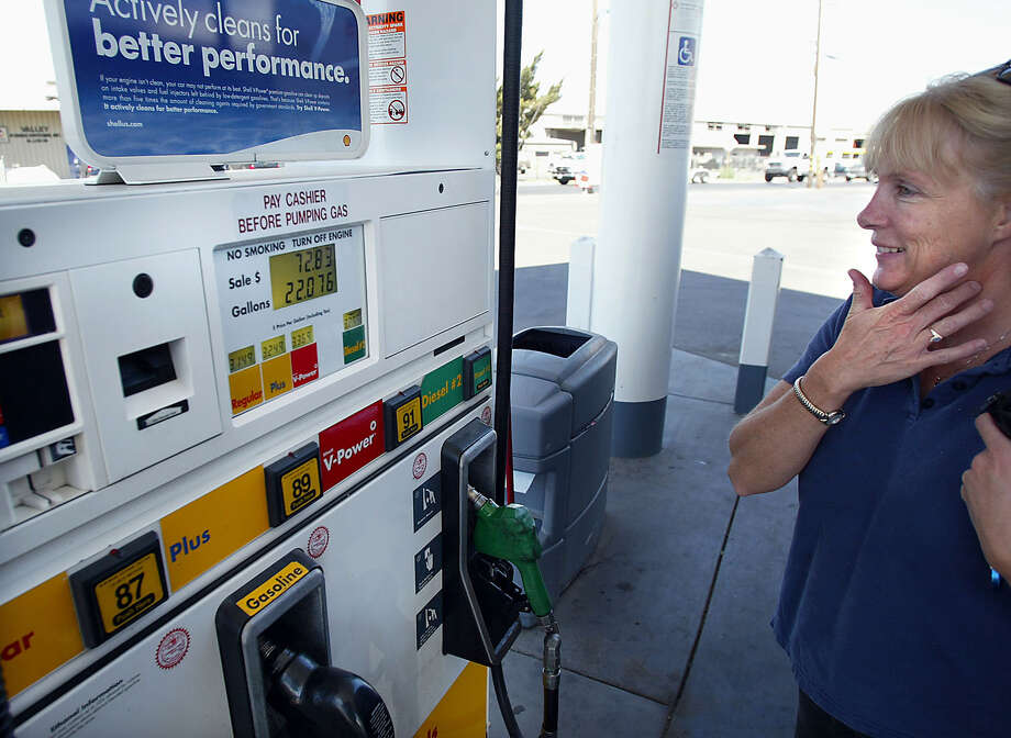 In a new WalletHub survey, Connecticut ranked last for people's monthly spending on energy costs, including motor fuel. Photo: CASEY CHRISTIE / AP / THE BAKERSFIELD CALIFORNIAN