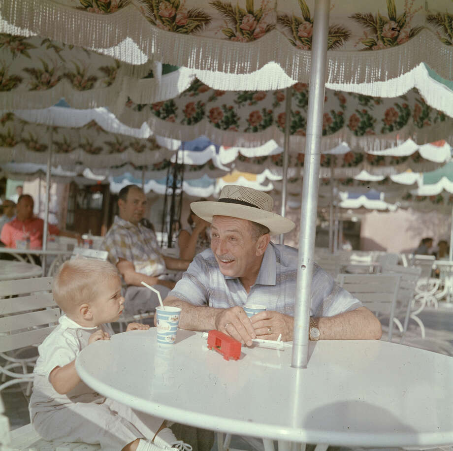 Magic kingdom at 60 rare 1955 color photos of disneyland for Table 52 houston