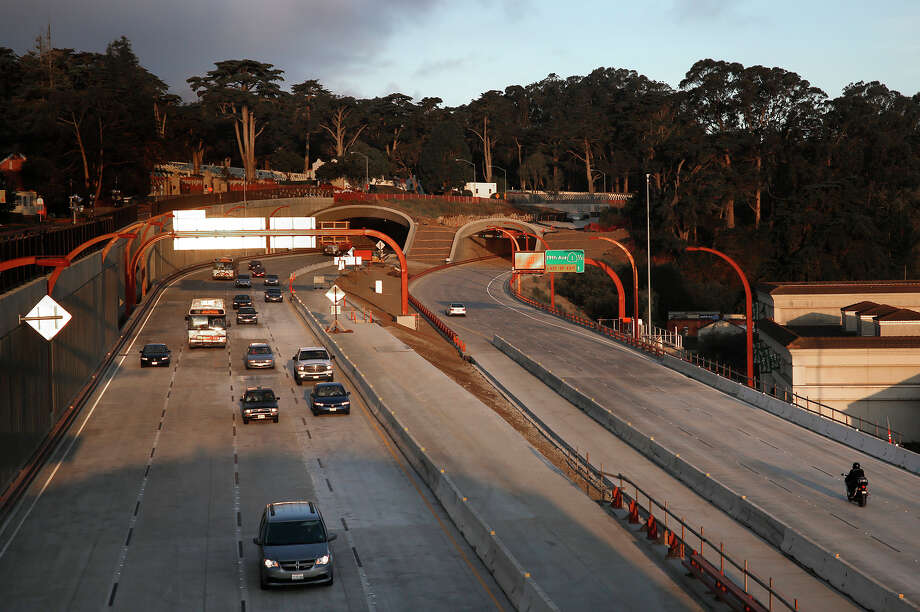 Top: Traffic on Presidio Parkway moves smoothly Monday after weekend construction reconfigured the roadway. Photo: Liz Hafalia / Photos By Liz Hafalia / The Chronicle / ONLINE_YES