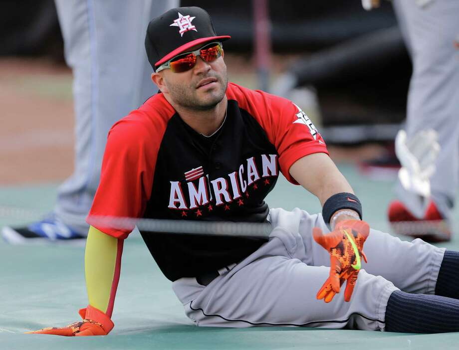 Jose Altuve will never be one to rest on his laurels, but he did take a break during All-Star batting practice on Monday. Photo: Jeff Roberson, STF / AP