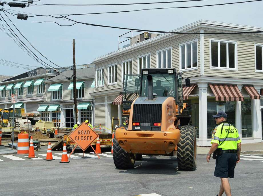 Taylor Place was closed to traffic Monday for utility upgrades, part of continuing downtown infrastructure upgrades. Photo: Jarret Liotta / For Hearst Connecticut Media / Westport News