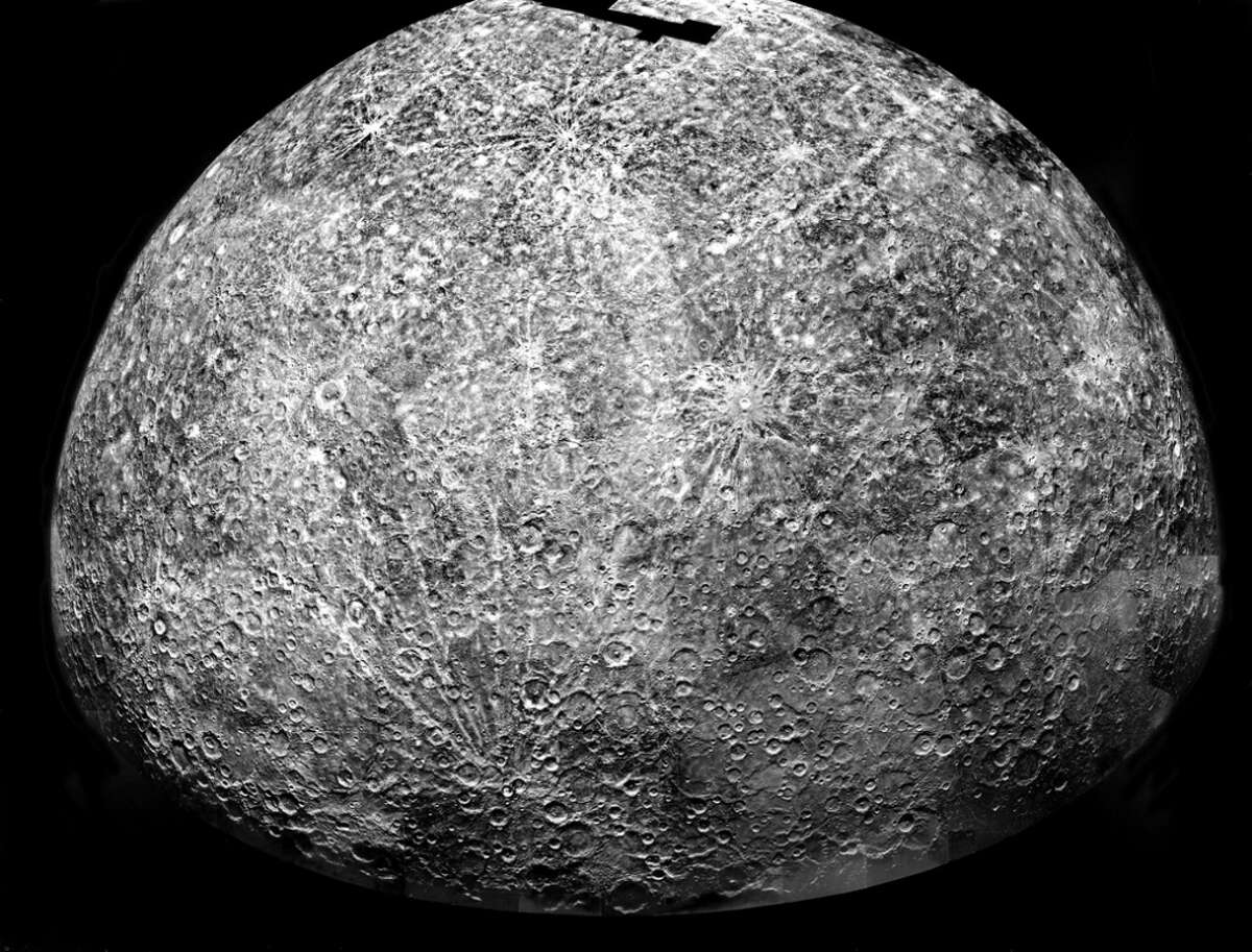 Mariner 10 Image of Mercury: The Mariner 10 spacecraft imaged the region of Mercury during its initial flyby of the planet.