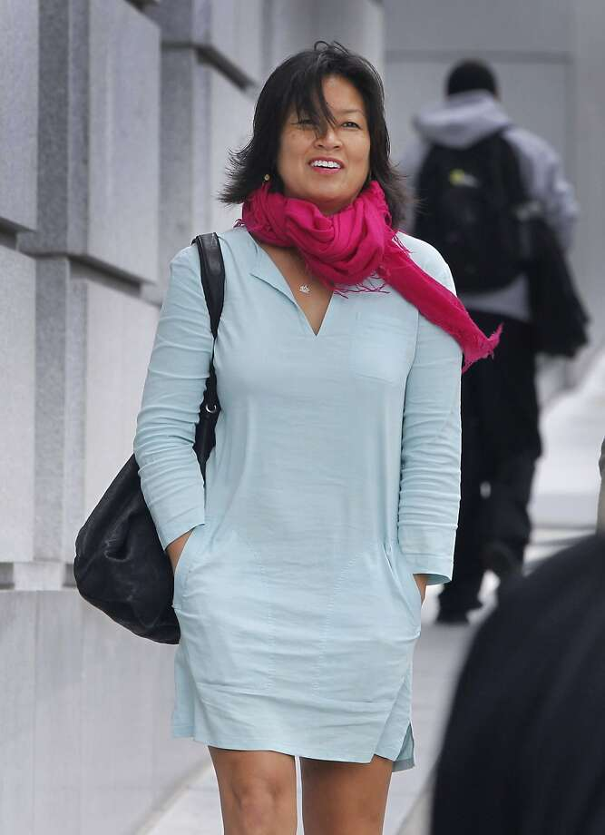 Mimi Lee arrives at San Francisco Superior Court for the second day of testimony in San Francisco, Calif. on Tuesday, July 14, 2015 in her case against ex-husband Stephen Findley involving custody of their frozen embryos. Photo: Paul Chinn, The Chronicle