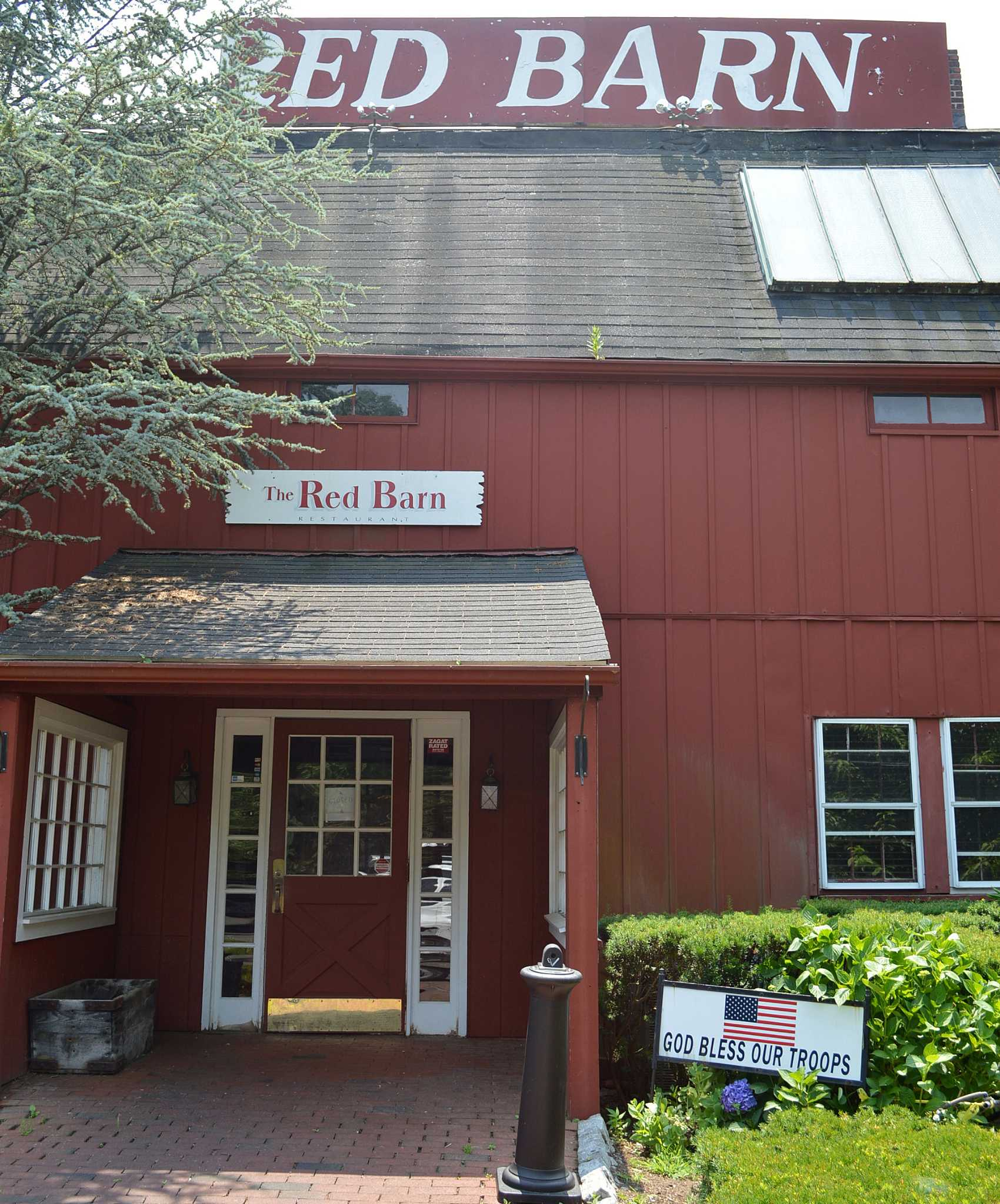 Red Barn restaurant closed after more than 50 years