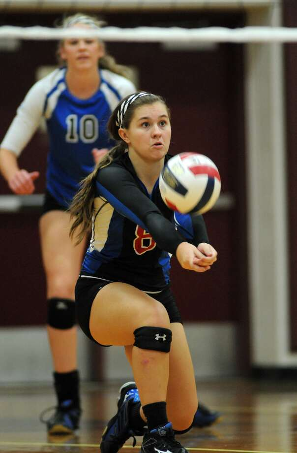 Returning Oak Ridge libero Raigen Cianciulli is part of a solid cast of veterans set to carry the War Eagles to the state tournament. Photo: Jerry Baker, Freelance