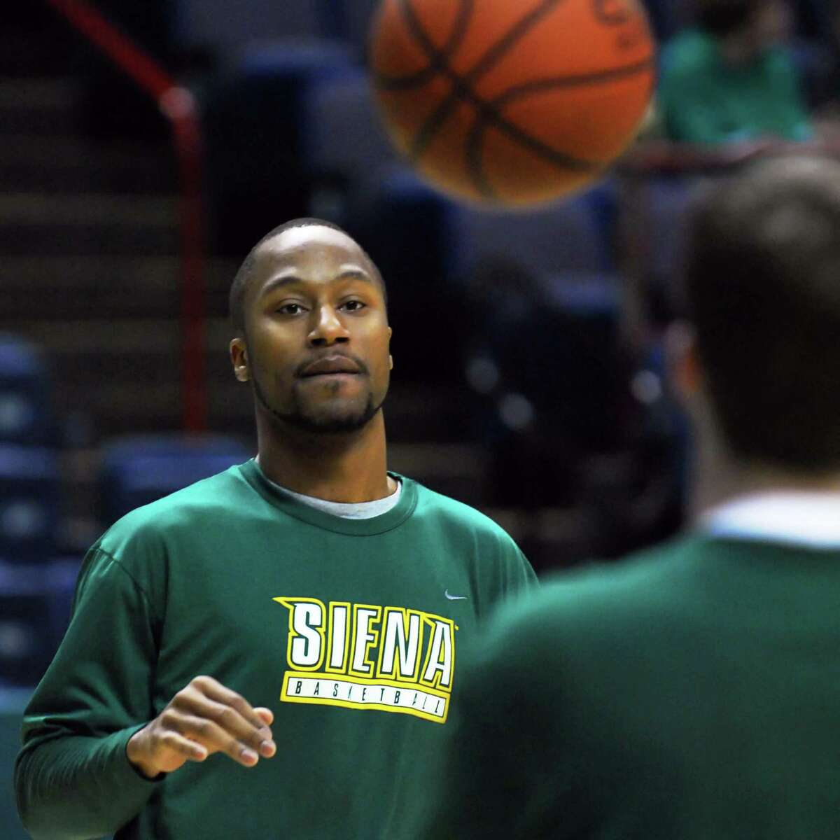 JOHN CARL D'ANNIBALE/TIMES UNION-- Siena's Kenny Hasbrouck warms up before during Monday night's home game against Loyola at the Times Union Center in Albany February 9, 2009. HOLD FOR IORIZZO THURSDAY STORY
