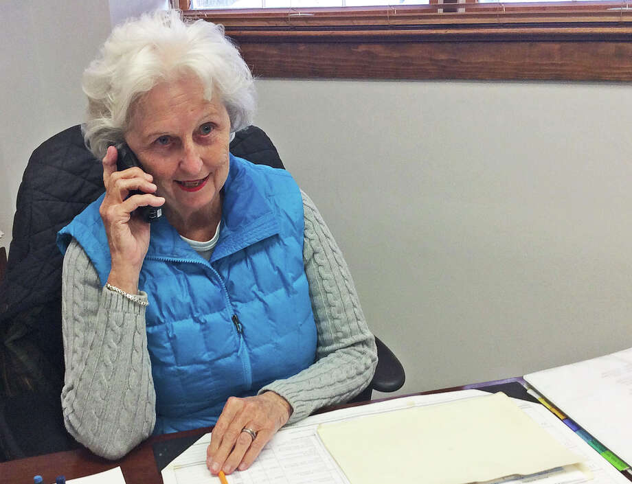 Cynnie Yates of Staying Put in New Canaan, is in charge of staffing the office with volunteers. Photo: Contributed / Contributed Photo / New Canaan News
