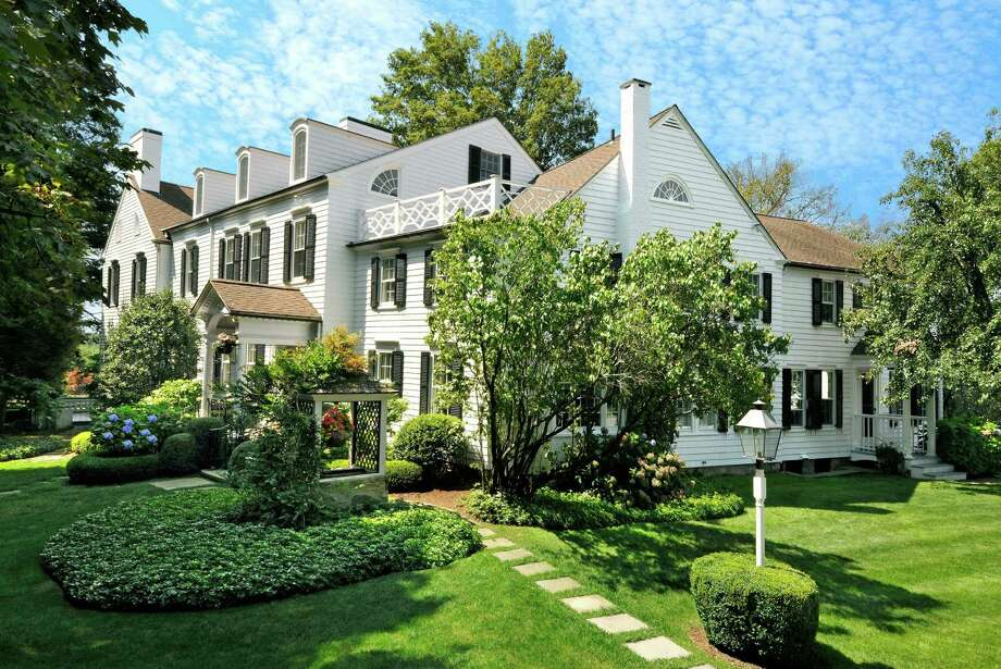 A Taconic Road estate in Greenwich, Conn. was among nearly 300 homes sold in the town there in the first half of 2015, with listing agent Sotheby's International Realty noting an increase in market volume throughout the region between April and June. Photo: Hearst Connecticut Media / Stamford Advocate