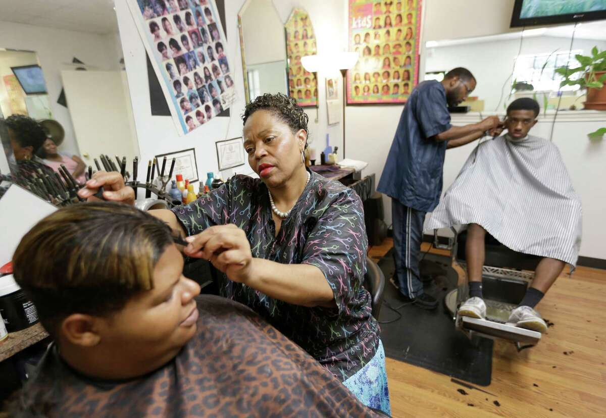 Renee McKnight, co-owner of C & R Uptown Barber & Beauty Salon, saw the arrest of Sandra Bland.
