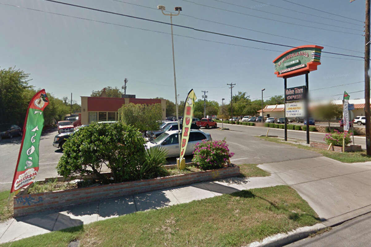 MI GUADALAJARA GRILL #4: 4414 W. COMMERCE, San Antonio, TX 78237Date: 11/20/2015 Demerits: 15Highlights: Discontinue to use ice machine as a cold hold unit, food debris found on shelves in cold hold unit, discontinue to stack food containers inside open containers of food (container of onions stored inside bucket of shredded lettuce), label food containers with use-by dates, observed bleach container in hand sink,