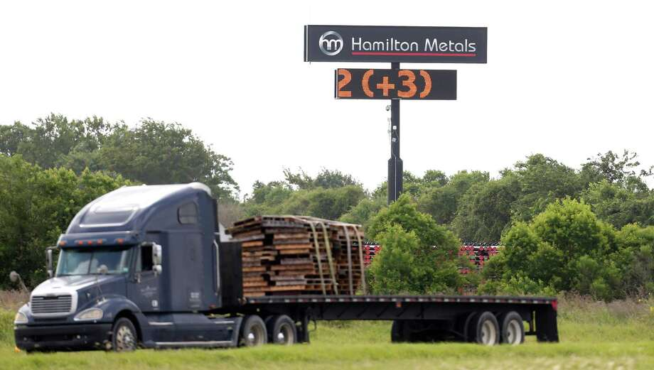 """The electronic """"Hamilton Metals"""" billboard that scrolls rig counts located on Interstate 10 at Pederson Road near Brookshire, photographed on Thursday, July 9, 2015. Photo: Karen Warren, Staff / © 2015 Houston Chronicle"""
