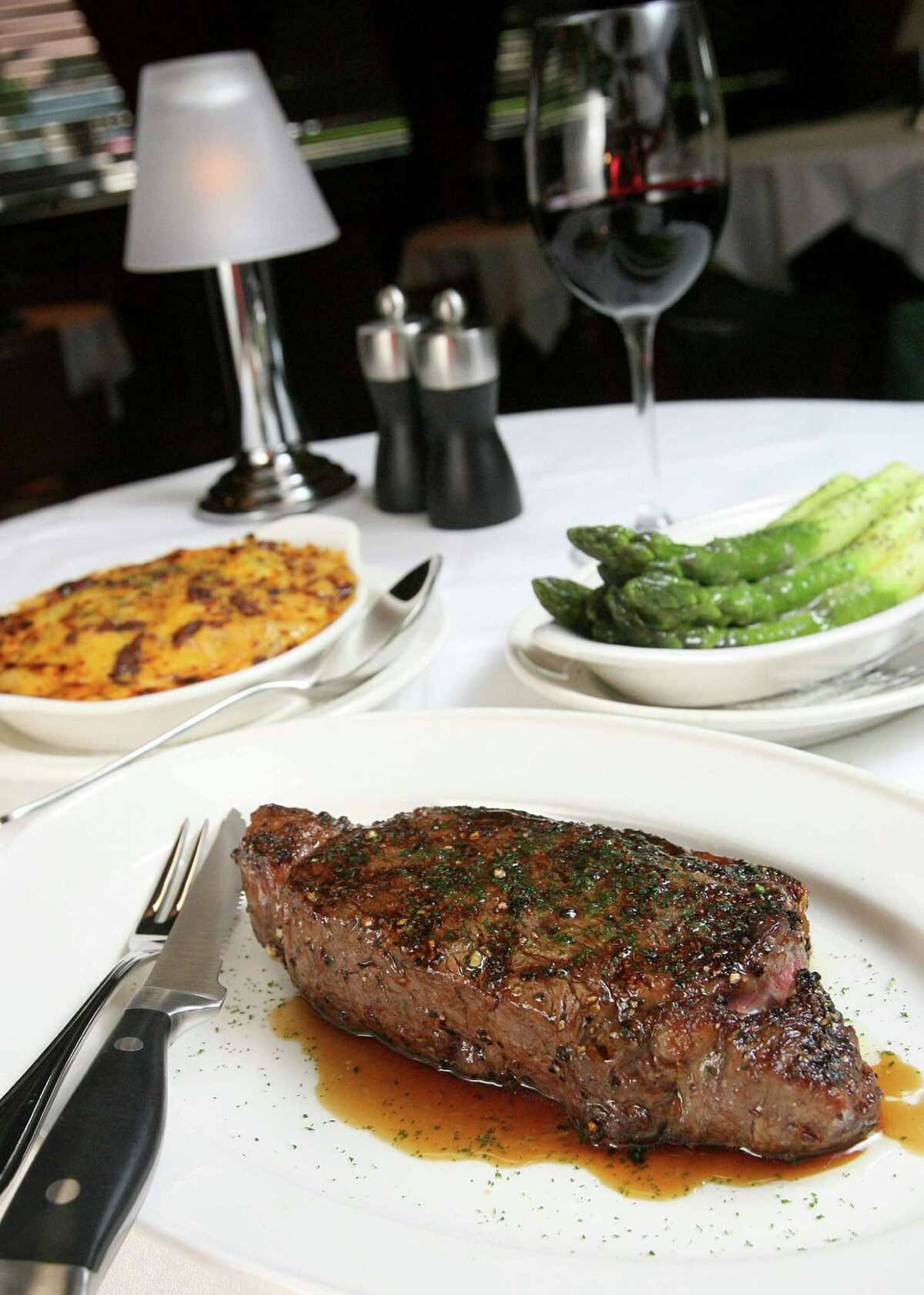 Pappas Bros Steakhouse 5839 Westheimer Rd., 713-780-7352